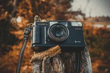Free Shallow Focus Photography Of Black Yashica Film Camera During Dawn Royalty Free Stock Photos - 116776088