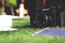 Free Black Zenit Dslr Camera In Shallow Focus Photography Royalty Free Stock Image - 116776306
