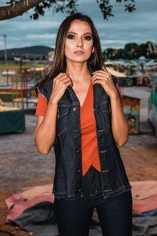 Free Woman In Orange V-neck T-shirt Royalty Free Stock Photo - 116854255