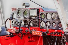 Free Red And Black Airplane Cockpit Royalty Free Stock Photo - 116927955