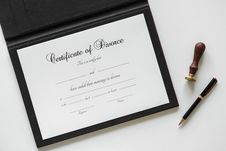 Free Certificate Of Divorce Paper Beside Black Ballpoint Pen Royalty Free Stock Image - 116984576