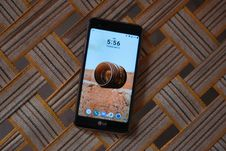 Free Black Lg Android Smartphone Stock Photos - 116984673