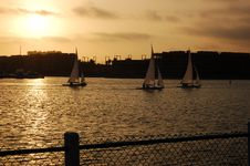 Free Urban Sunset With Boats Stock Photos - 1172323