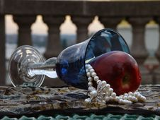 Free Blue Goblet With Apple And Pearls Royalty Free Stock Photos - 1174718