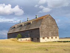 Free Grand Old Barn Royalty Free Stock Photos - 1176998