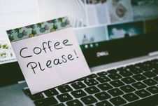 Free Coffee Please! Memo Pad Royalty Free Stock Photos - 117112608
