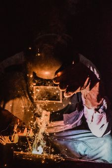 Free Photography Of A Person Wearing Welding Mask Stock Images - 117112794