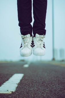 Free Person In Adidas Sneakers Royalty Free Stock Photos - 117112878