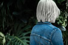 Free Person Wearing Blue Denim Jacket Royalty Free Stock Images - 117352629