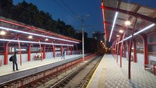 Free Man Waiting On Train Platform During Nighttime Royalty Free Stock Photos - 117420978