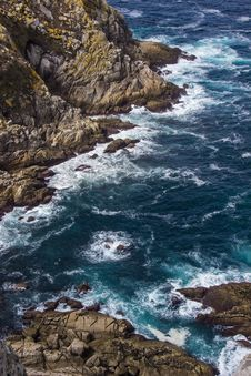 Free Photo Of Wave Of Water On Stone Stock Photos - 117689343