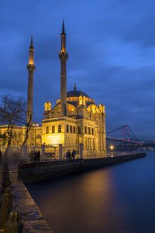 Free Ortakoy Mosque Royalty Free Stock Images - 117767769
