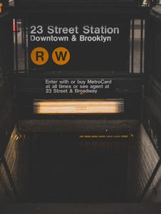 Free 23 Street Station Down & Brooklyn Royalty Free Stock Photo - 117767785