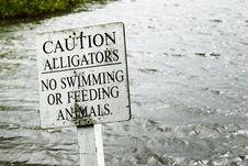 Free Gray Caution Alligators Label Panel Stock Images - 117767914