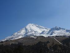 Free Mountainous Landforms, Sky, Mountain, Mountain Range Royalty Free Stock Photo - 117788785