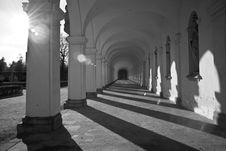 Free White, Arch, Black And White, Column Stock Photography - 117884582