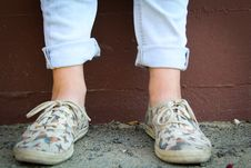 Free Person Wearing Brown Low-top Sneakers Royalty Free Stock Photography - 117989037