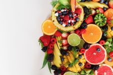 Free Assorted Sliced Fruits Royalty Free Stock Images - 117989049