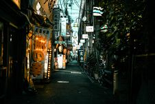 Free Photo Of Alleyway Stock Photography - 117989232