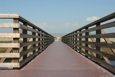 Free Wooden Walkway Bridge Royalty Free Stock Images - 1189099