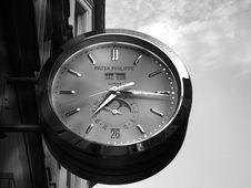 Free Gray Patek Philippe Clock Displaying 7:16 Royalty Free Stock Image - 118221636