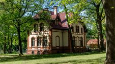 Free Estate, Property, Mansion, Stately Home Stock Photos - 118241593