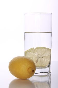 Free Glass With Water And Lemon Royalty Free Stock Images - 11847379