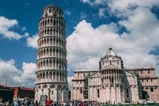Free Leaning Tower Of Pisa Stock Image - 118464801