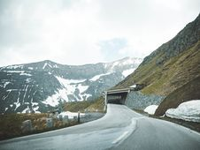 Free Grey Road Near Mountain Stock Photo - 118546040