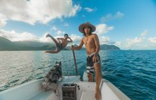 Free Man Riding On The Boat Royalty Free Stock Image - 118598766