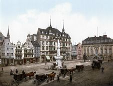 Free Town, Town Square, Medieval Architecture, Plaza Stock Photography - 118780192
