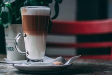 Free Vanilla Chocolate Frappe On White Ceramic Saucere Stock Photos - 118920703