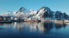 Free Reflection, Mountain, Mountainous Landforms, Water Stock Images - 118940804