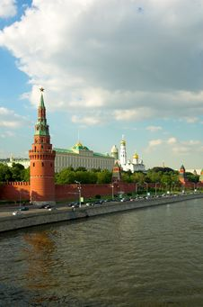 Free Red Wall, Moscow Royalty Free Stock Image - 1195766