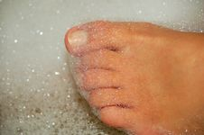 Women Feet In Water 3 Royalty Free Stock Photos