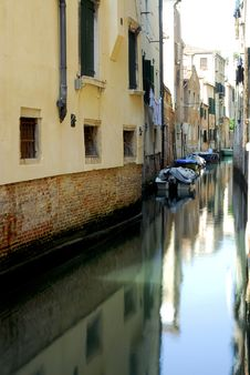 Free Venice - Canal Series Royalty Free Stock Image - 1199736