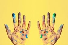 Free Both Hands Stained With Paints Royalty Free Stock Photos - 119007948