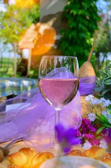 Free Wine Glass, Stemware, Yellow, Glass Stock Photos - 119034473
