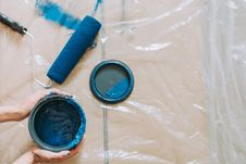 Free Blue Paint Beside Blue Paint Roller Stock Photos - 119308673