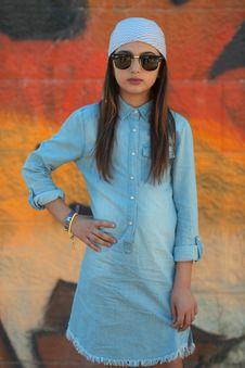 Free Girl Wearing Blue Chambray Dress Wearing Sunglasses Stock Photos - 119467653