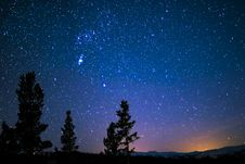 Free Silhouette Of Trees And Mountain Under Blue Starry Sky Royalty Free Stock Photos - 119611278