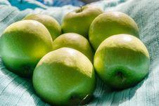 Free Ripe Green Apples Royalty Free Stock Photo - 119617715