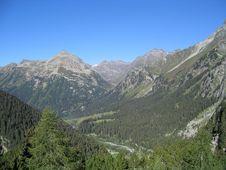 Free Mountainous Landforms, Mountain, Mountain Range, Wilderness Stock Photos - 119766423