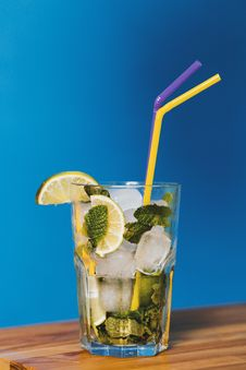 Free Lime Cocktail Drink With Two Straws Stock Photos - 119926223