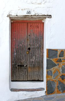Free Old Wooden Padlocked Door Stock Photos - 123703