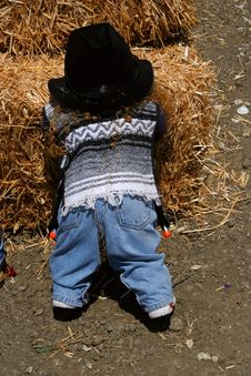 Free Child At The Haystack Royalty Free Stock Images - 124429