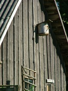 Free Old Cottage Bird-house Royalty Free Stock Images - 125579