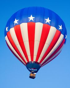 Free Stars And Stripes Flying High Royalty Free Stock Photos - 1209118