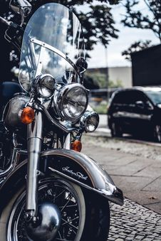 Free Photo Of Black And Gray Touring Motorcycle Stock Photography - 120074742