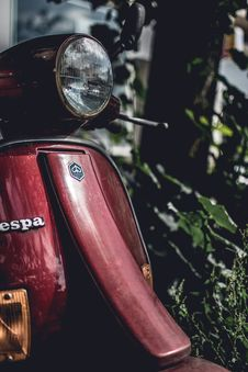 Free Photo Of Vespa Motor Scooter Royalty Free Stock Photography - 120142557